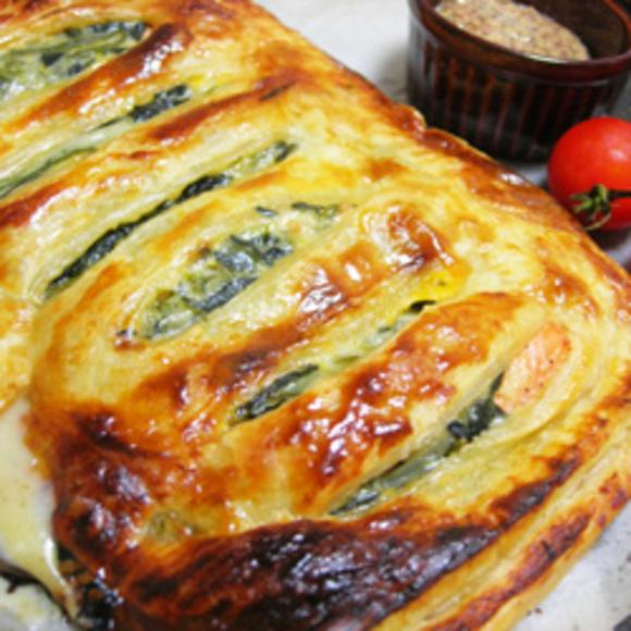 鮭とほうれん草のパイ包み焼き