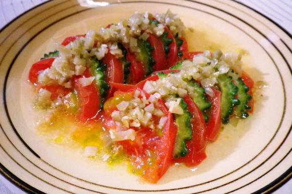 トマトとゴーヤの重ね蒸し ザーサイソース