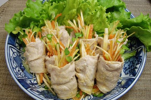 ねぎサラダの蒸し豚巻