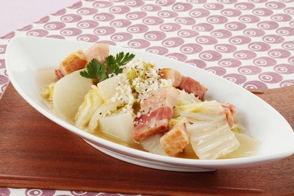 豚肉と白菜、大根のビール煮
