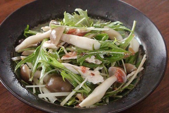 水菜とささみの梅肉サラダ