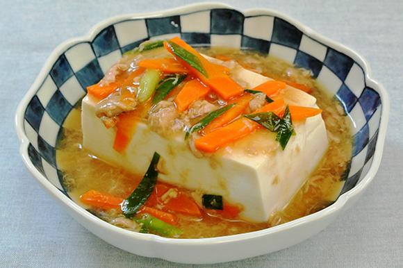 蒸し豆腐のツナあんかけ