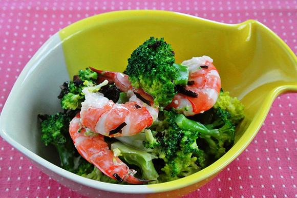 ブロッコリーの塩昆布サラダ