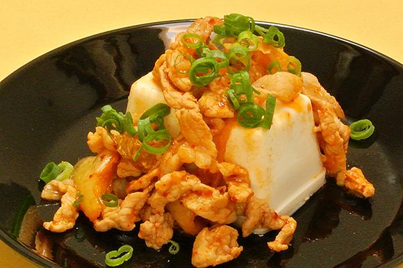豚キムチ載せ豆腐