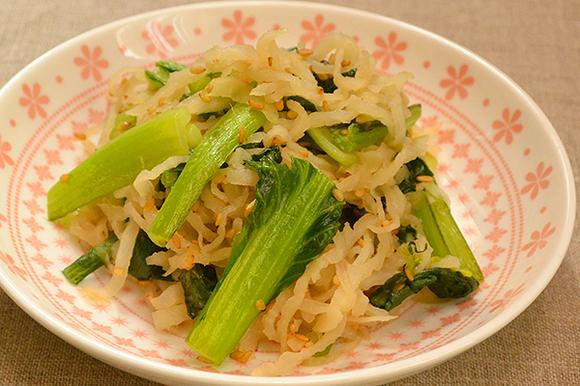 切干大根と青菜のごま炒め
