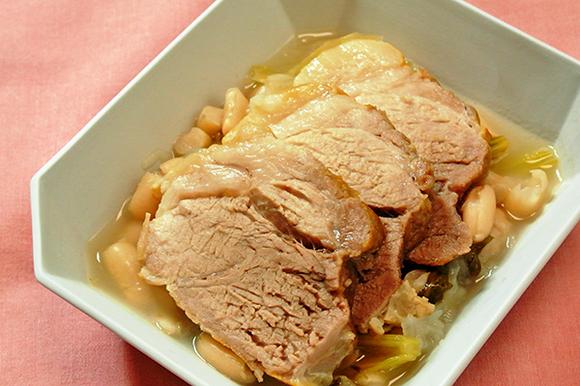 豚肉と白いんげん豆の煮込み